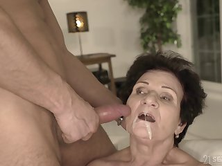 Mature uncivil haired redhead granny Lisbeth gets a cumshot on her element