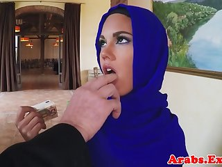 Muslim beauty fucks be useful to seat of government