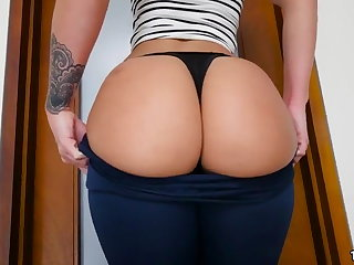 Jada Stevens Brings The brush Big Ass To Enjoyment from