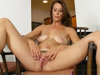 Very Sexy Mommy Mimi Moore Wants All over Fianc