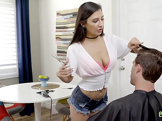 Fuck His StepSister Gianna Dior Be required of A Haircut